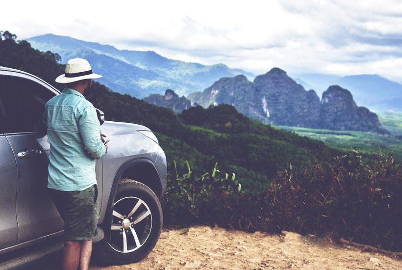 Vous prévoyez un road trip et il vous faut une voiture ? Trouvez un véhicule plus respectueux de l'environnement grâce à notre filtre « Options écologiques ».