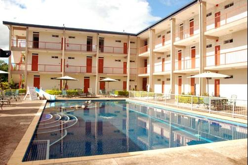Trans International Hotel - Nadi - Piscine