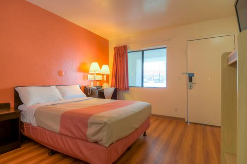 Motel 6 Palm Springs Downtown - Palm Springs - Chambre