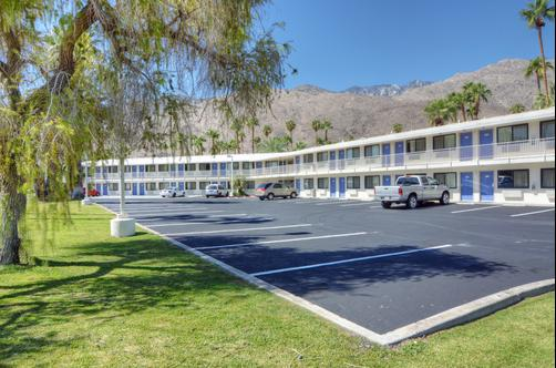 Motel 6 Palm Springs E East Palm Canyon - Palm Springs - Bâtiment