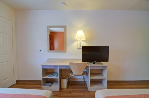 Motel 6 Palm Springs E East Palm Canyon - Palm Springs - Chambre
