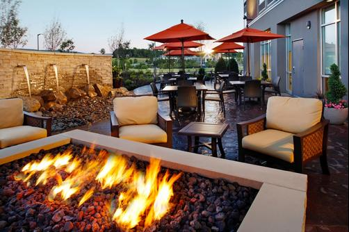 SpringHill Suites by Marriott Pittsburgh Latrobe - Latrobe - Patio