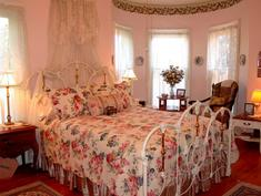 Reagan's Queen Anne B&B